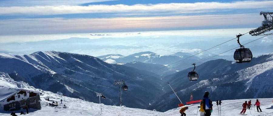 Jakie zimowisko wybrać ? Dla tych, którzy mają już pierwsze kroki na nartach za sobą słowacki Chopok będzie doskonałym wyborem