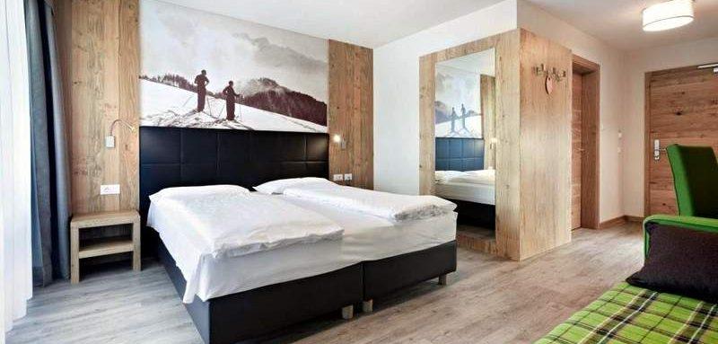 Alpe di Siussi - Val Gardena. Hotel Miramonti - przykładowy pokój