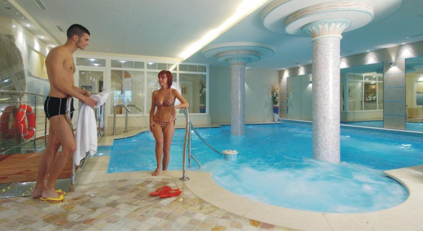 wyjazd na narty w marcu - hotel Alexander