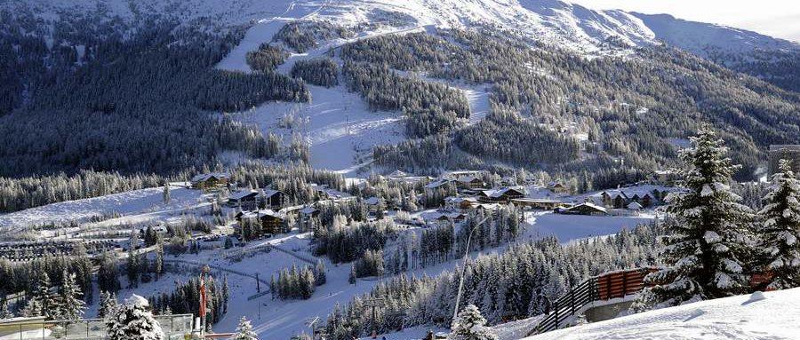 Katschberg tief winterlich verschneit am 16.12.2012Blick auf die Katschberghöhe samt Aineck im Hintergrund (2220m Seehöhe)