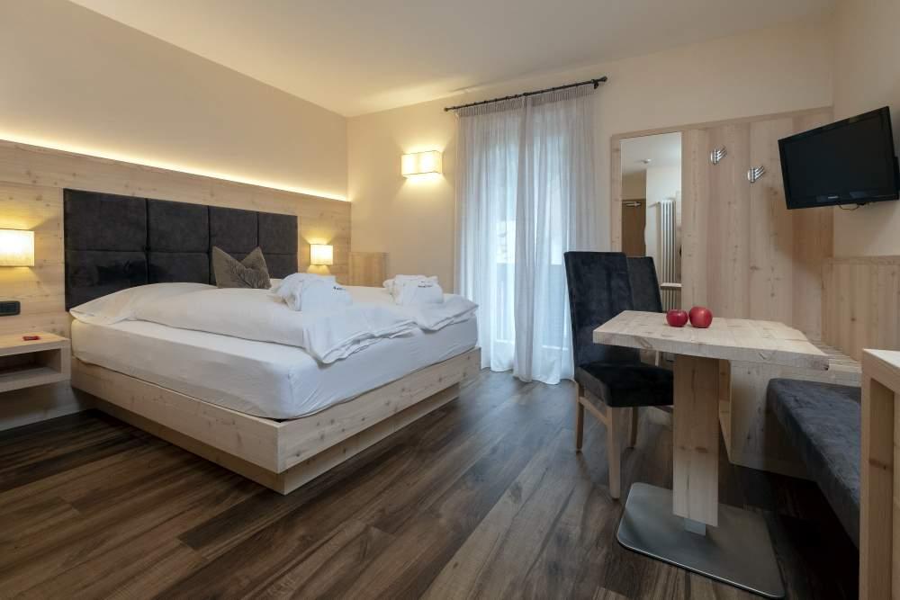 Hotel Nele - rodzinny wyjazd na narty do Włoch 0 Zima 2021