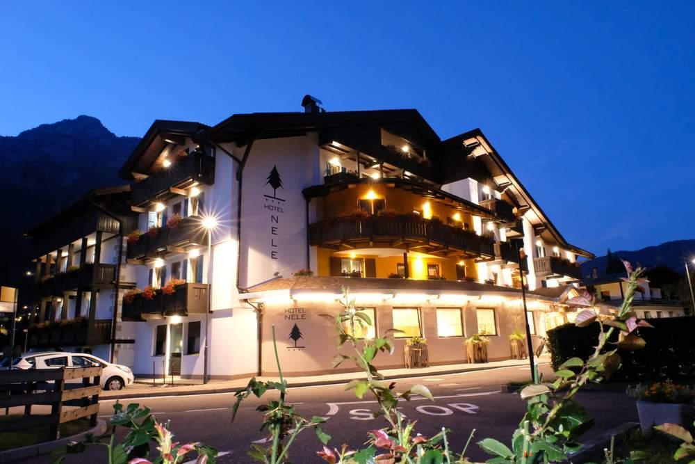 Wyjazd na narty do Włoch - hotel Nele - polskie szkółki narciarskie