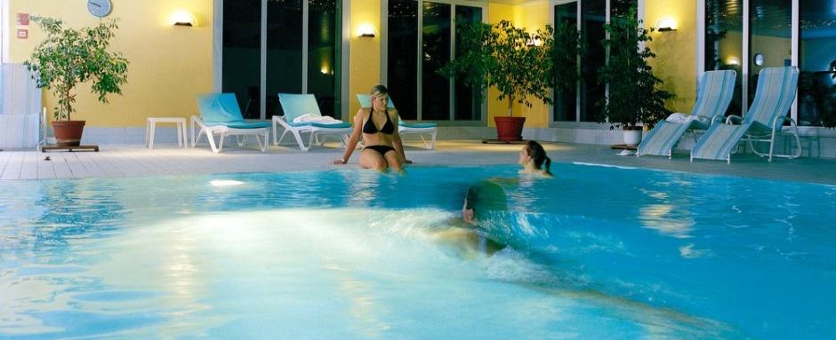 Zorganizowany wyjazd narciarski do Szwajcarii - zakwaterowanie Sport Hotel Central 4* z basenem
